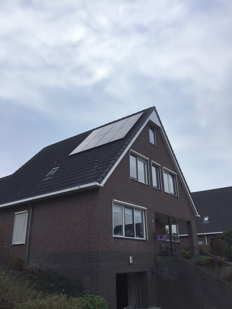 61305-solar_panel_images-5bf40e423e960